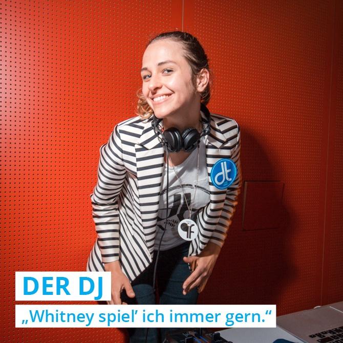 Für die passende Musik bei den DISH TENNIS Event sorgt der DJ oder die DJane, die jeden gewünschten Song auch wirklich spielt.